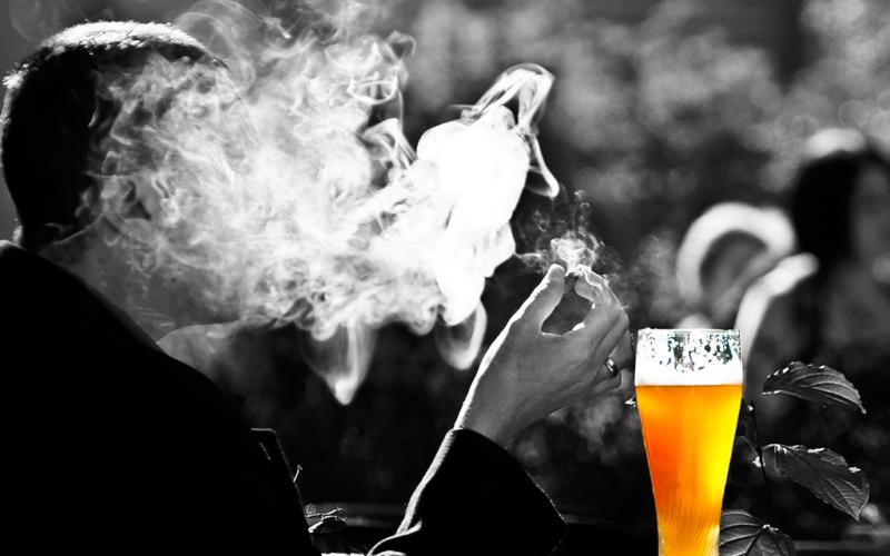 Tabaco, alcohol y virus del papiloma humano, principales factores de riesgo del cáncer de cabeza y cuello