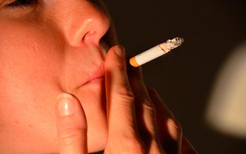 El tabaco, el principal responsable del cáncer de laringe