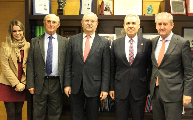 La SEORL-CCC firma un convenio con FCOMCI para dar apoyo en proyectos humanitarios