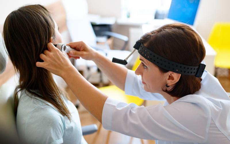 Otosclerosis, la enfermedad de los huesos del oído que causa pérdida de audición